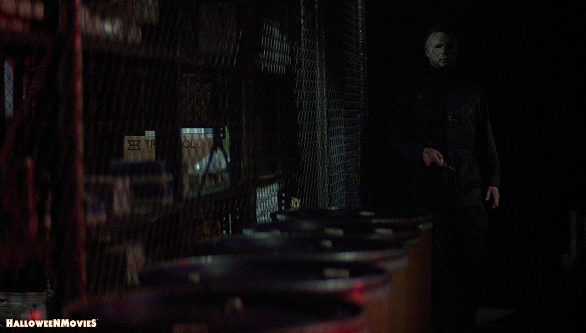Hold the elevator ... #MyersMonday #Halloween 🎃#MichaelMyers 🔪 https://t.co/PYwAXkU3TQ
