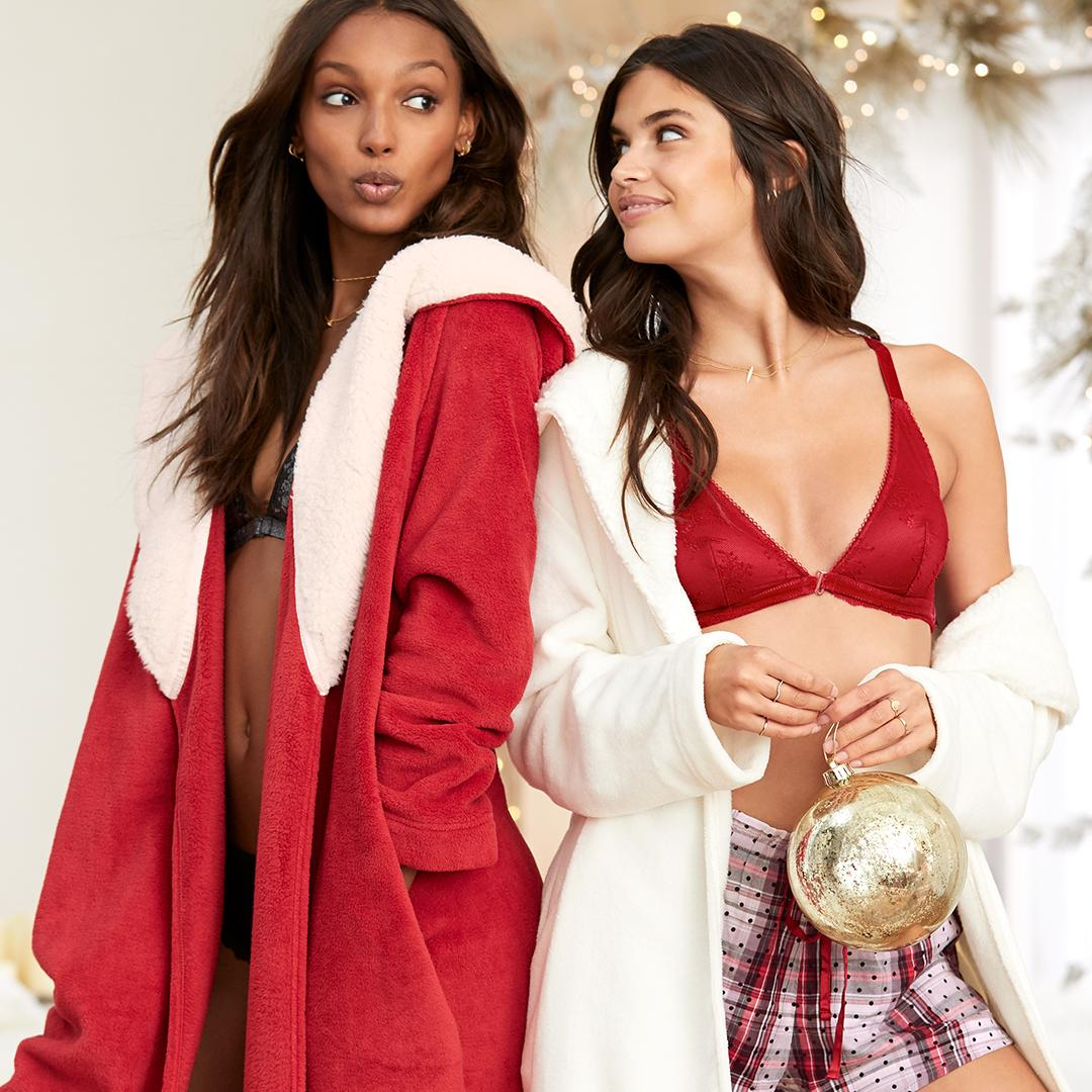 Girls' night in, anyone? Get the Cozy Robe for $35, now thru 12.24 in ???????? stores. https://t.co/RRDIRcuByW https://t.co/mF39DZTwyX