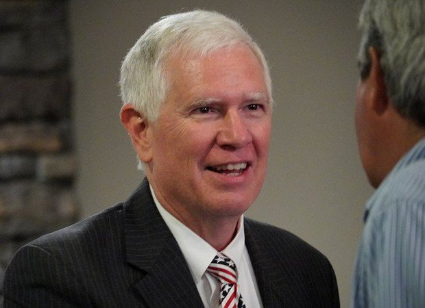Mo Brooks returning to Washington for tax bill vote 4 days after cancer surgery