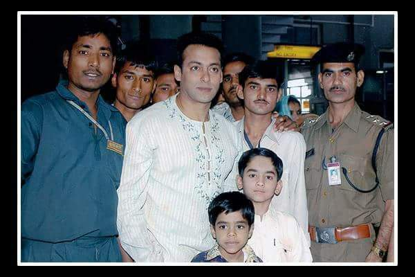 Happy birthday sir wish u many many happy returns of the day.. Old memories with actor salman khan ...