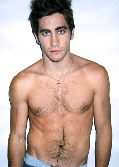 Happy bday to jake gyllenhaal, the only valid sagittarius man out there!!