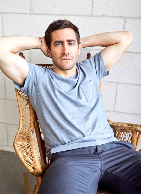 Happy birthday Jake Gyllenhaal  Your movies are some of the best, & I can\t wait to see more in the new year