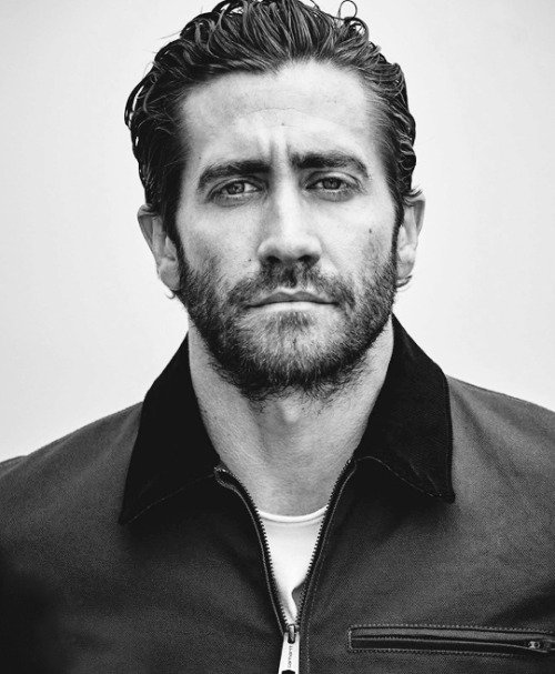 Happy 37th birthday to our sweet prince and official thirst mascot, jake gyllenhaal!