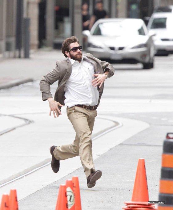 I forgot to say happy birthday to my first and fav man jake gyllenhaal