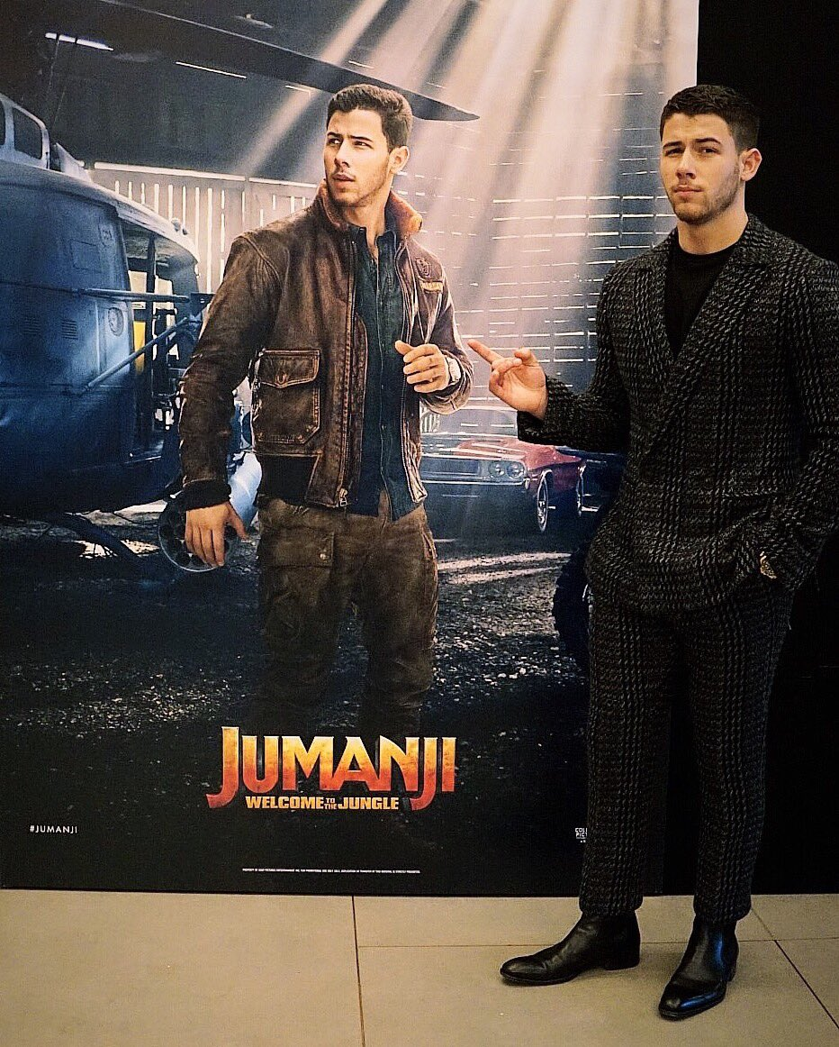 This guy's in the movie and he's alright. Take the family and go see it this week! @jumanjimovie https://t.co/JTLTz3hZcX