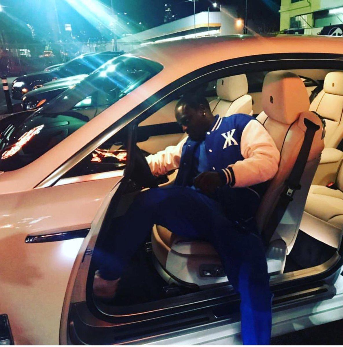 akon biography Akon biography alioune badara akon thiam, born april 16, 1977 in saint louis, missouri, united states, known simply as akon, is a senegalese-american r&b singer-songwriter, record producer.