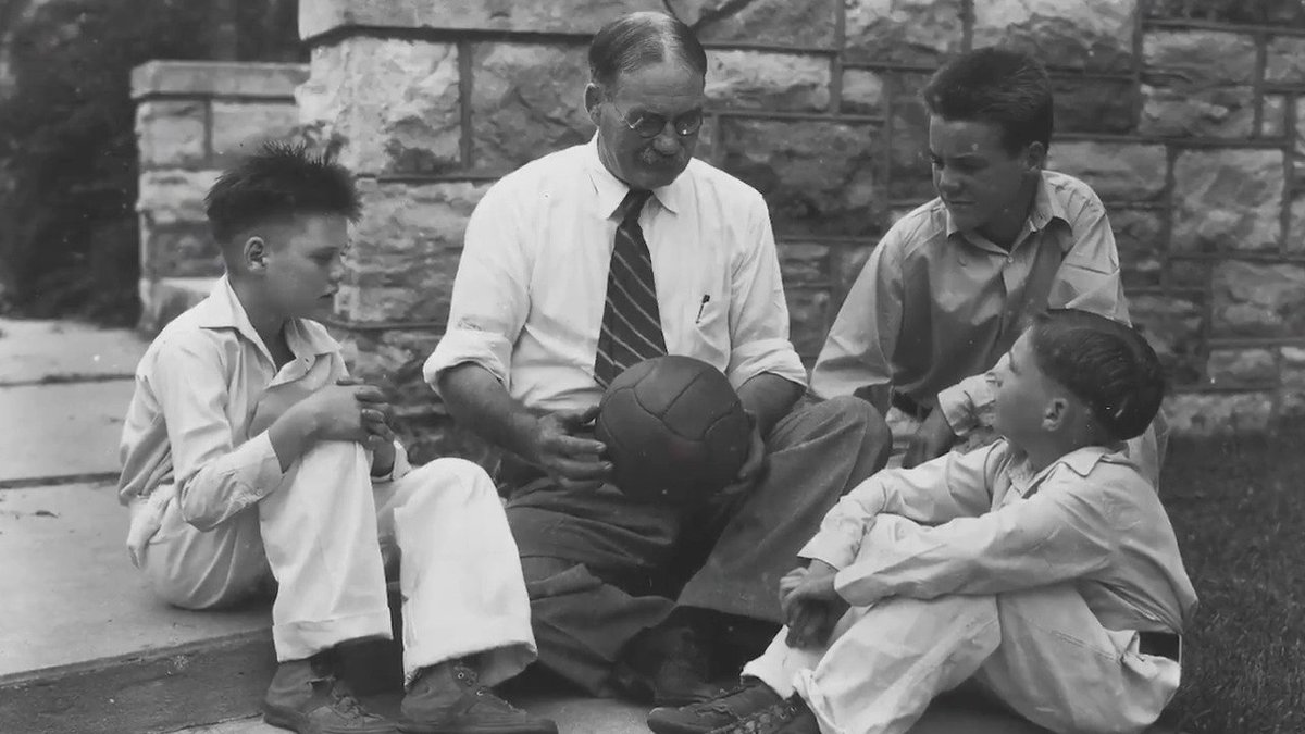 #OnThisDay in 1891, a group of boys at a YMCA played the first-ever game of basketball. But the story is bigger than the sport - it's about inventor James Naismith & his heart for service. What he teaches us: https://t.co/axOqfvJ6if