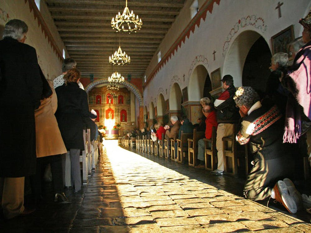 A sacred light in the darkness: Winter solstice illuminations at Spanish