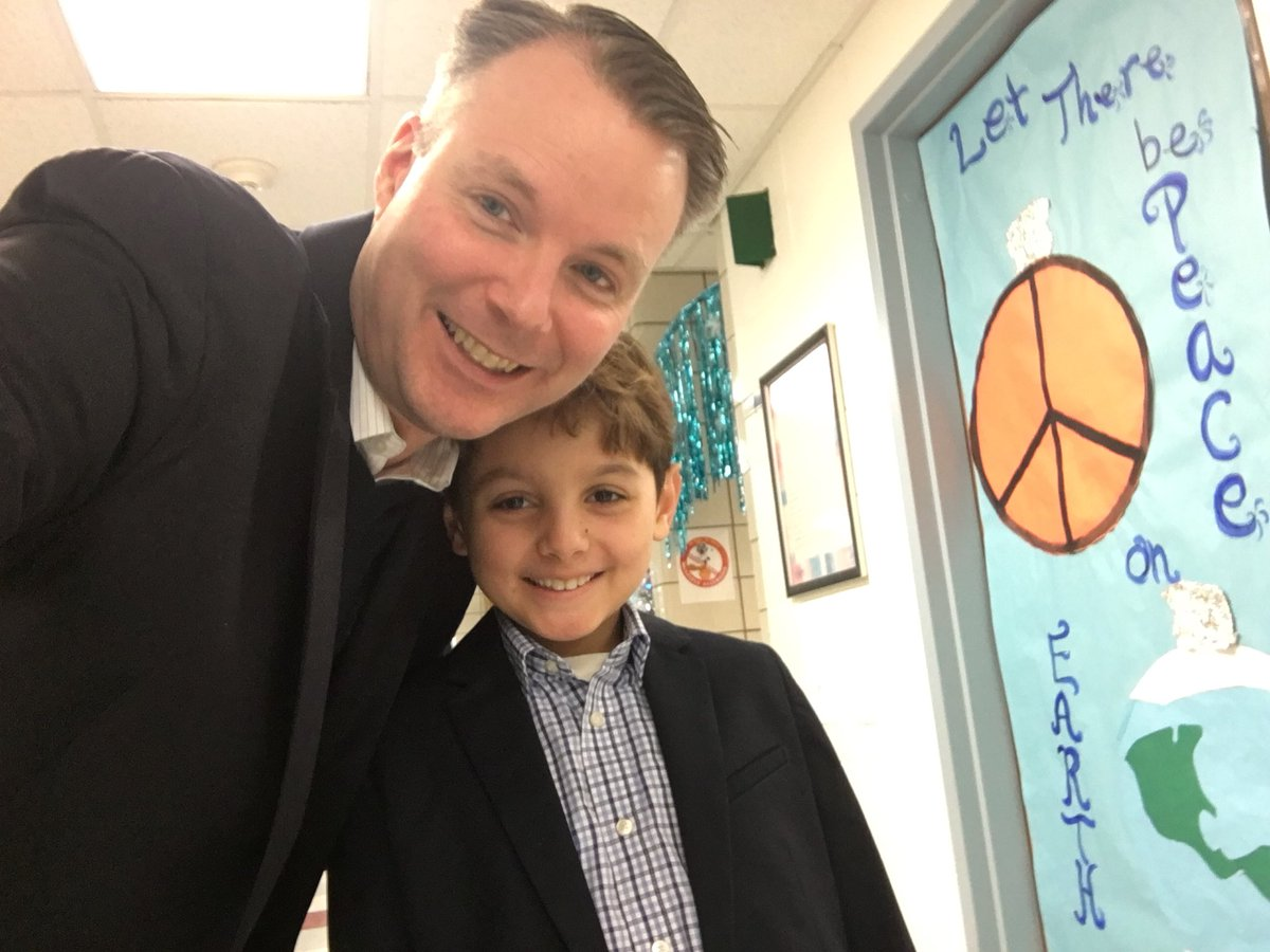 test Twitter Media - dress like a principal today - great work boys looking good! #d30learns https://t.co/Eris2DlWXv