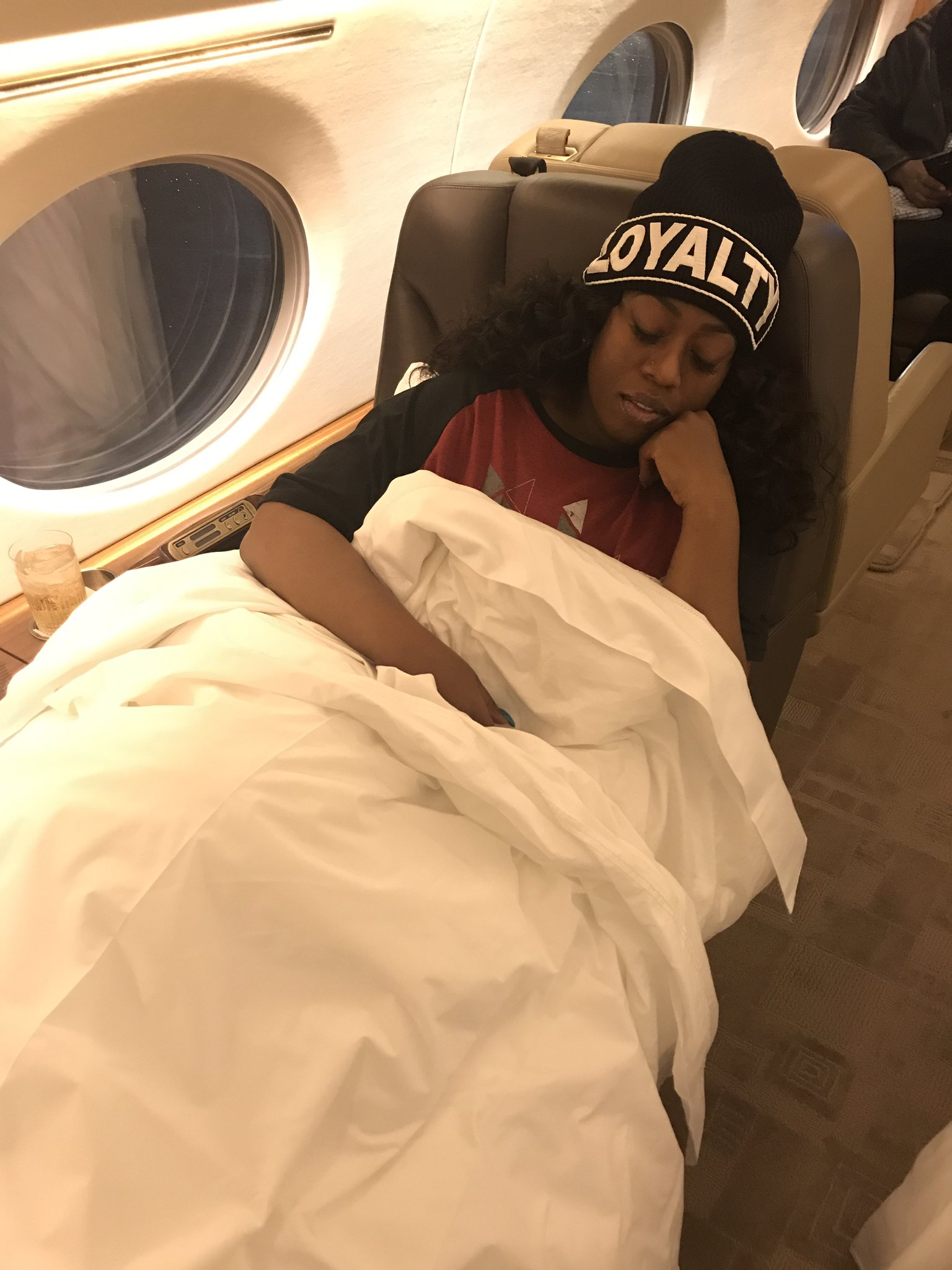 Finally some rest on a 10 hr flight���� https://t.co/Y6T2v4SNfO