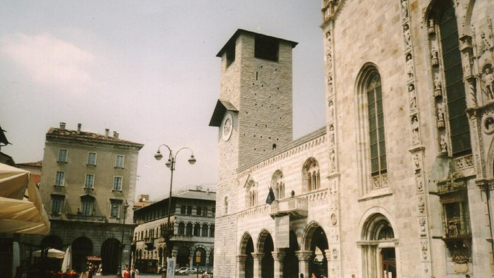 Como bans begging in the city centre during Christmas