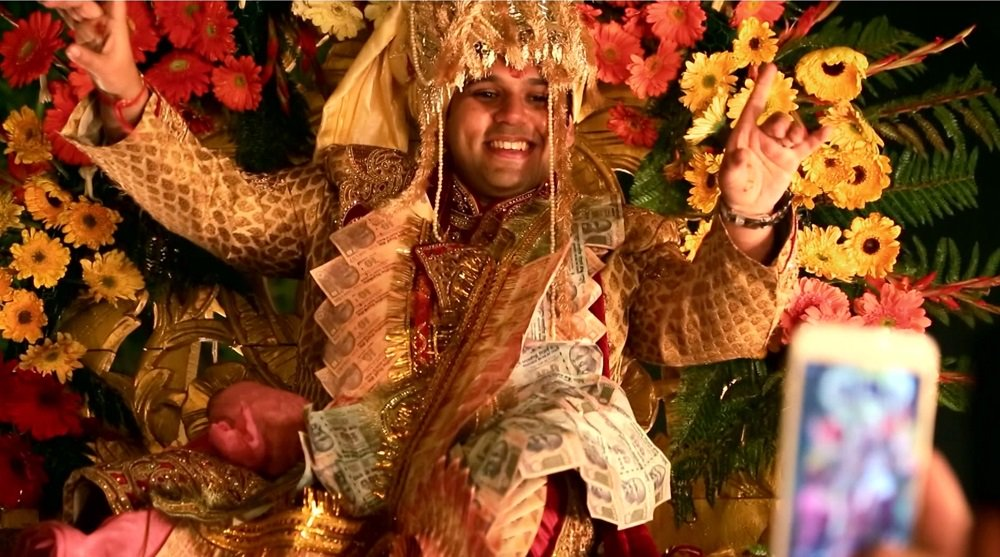 The gold-gilded world of India's new Maharajas via @AJ101East