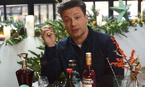 Here's how you can recreate  @jamieoliver's favourite Christmas cocktail: