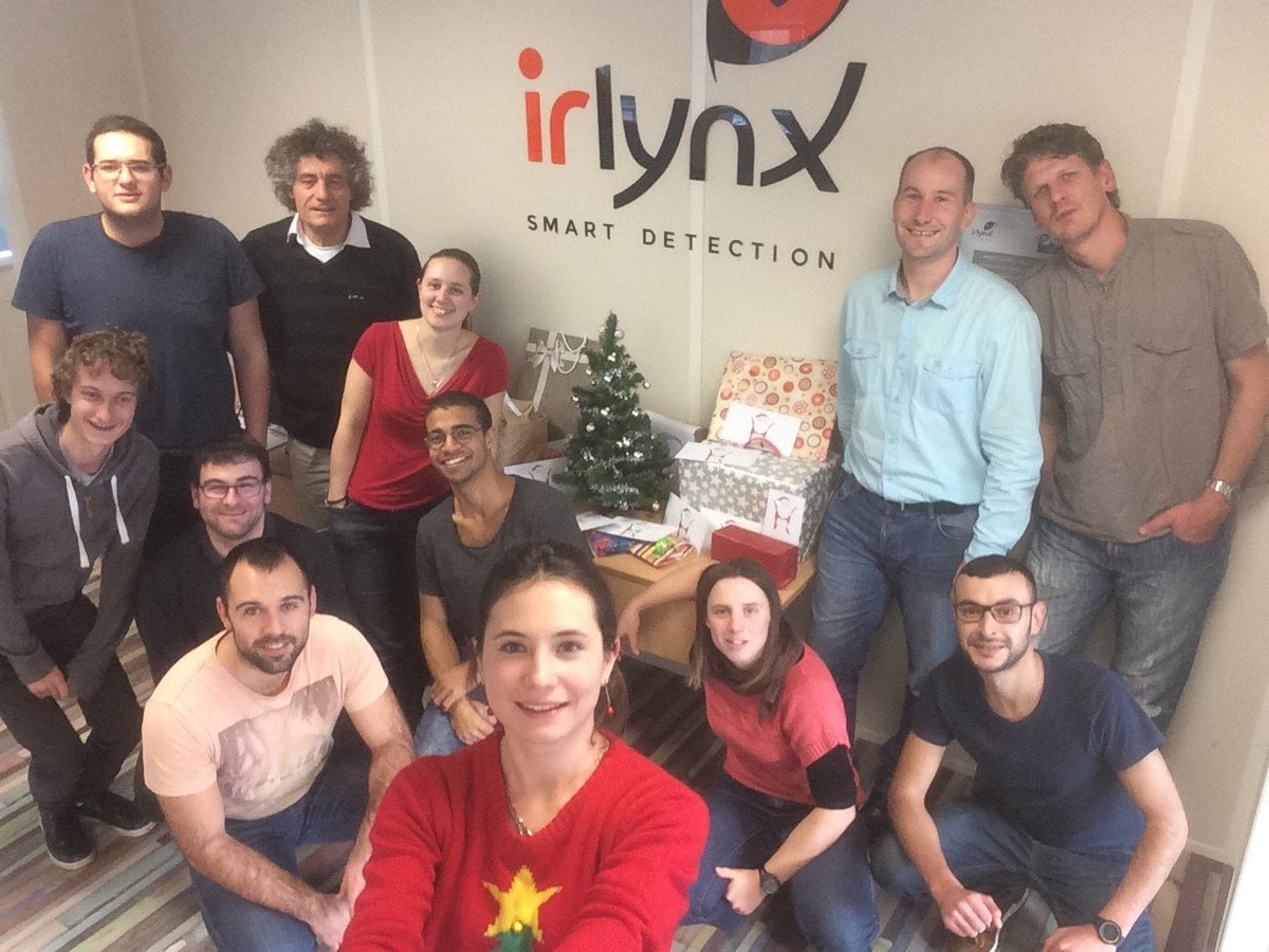 test Twitter Media - The IRLYNX's team wishes you a merry Christmas and a happy and successful New Year! :) https://t.co/csWso0eclK