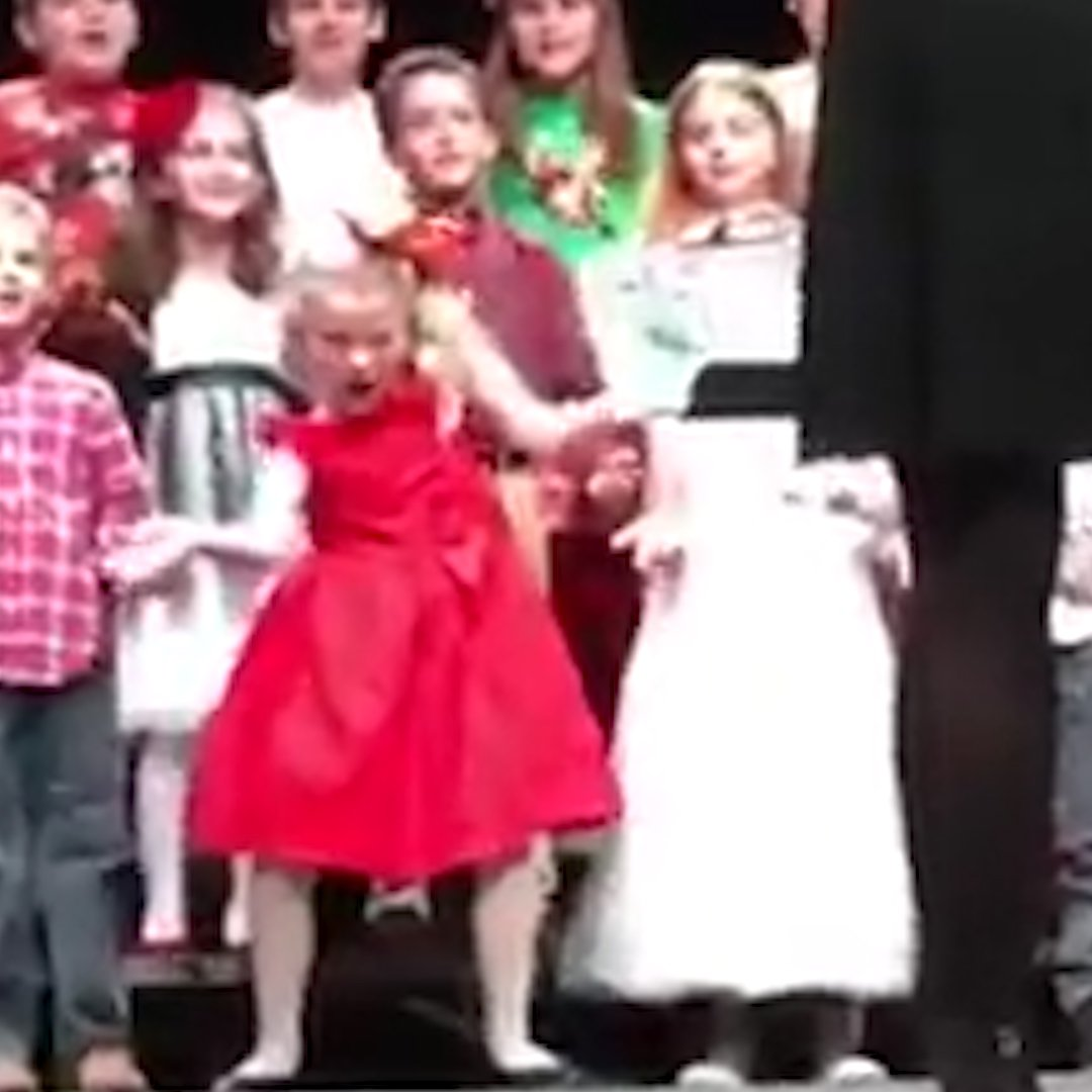 RT @usatodayvideo: As soon as the Christmas music starts... https://t.co/bMZhhCUPcS