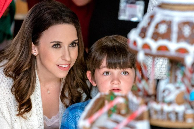 How to watch 33 new Hallmark Christmas movies over the holiday weekend