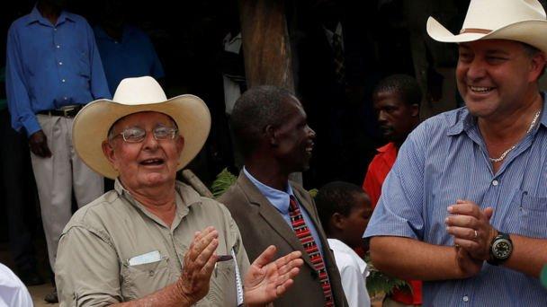 White Zimbabwean farmer gets his land back