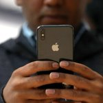 Suit: Apple slowing iPhones forced owners to buy new