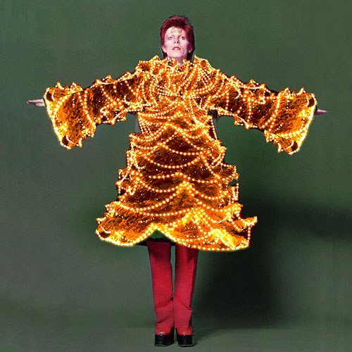Have a very Bowie Christmas! #DavidBowie https://t.co/q3L2svXFNs