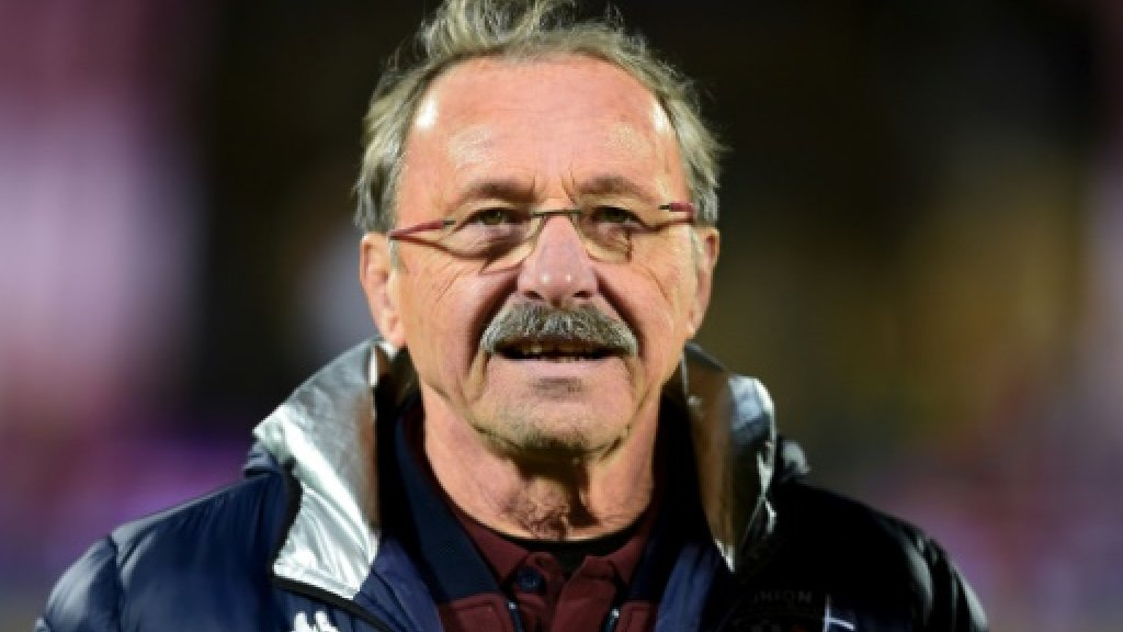 Brunel tells players he will take France rugby job