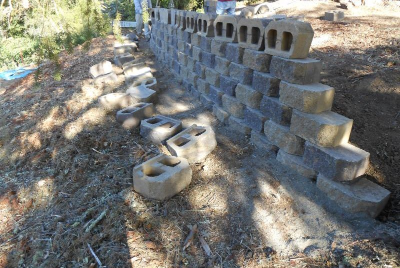 test Twitter Media - The #RetainingWall was coming up together nicely and the #homeowners loved the mix of colors. #Construction #Masonry #BayArea https://t.co/oyBTqrjKxs