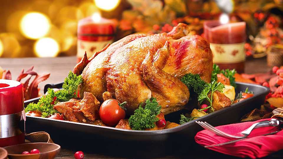 These are the 15 WORST kitchen disasters when cooking Christmas dinner