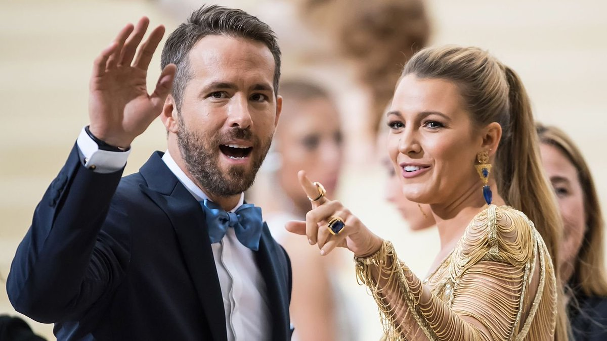 So Ryan Reynolds Tried To Decorate Some Christmas Cookies