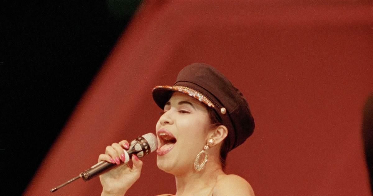"Texas family's ""Bidi Bidi Bom Bom"" Christmas tribute to Selena reaches millions"
