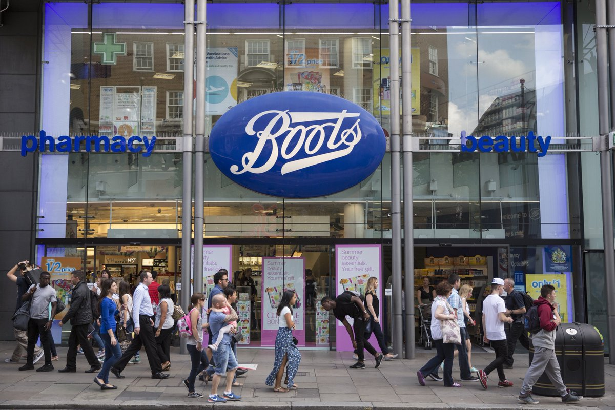 Doing last-minute Christmas shopping?  Here's how to get a HUGE discount at Boots today