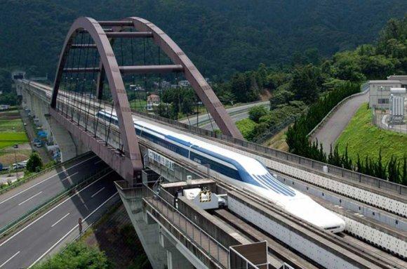 #MondayMadness #FastestTrain 🚄🚅🇯🇵Central #Japan #railway Company (a.k.a. JR Tokkai) #trial #test run #spring superconducting maglev Shinkansen #tokyo #nagoya #Japanese #applicants #Passengers #invention #technology #Bullet #trainstation #railway (Source: IT Media/JR Tokkai)