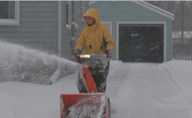 How to avoid cold weather injuries in dangerous conditions