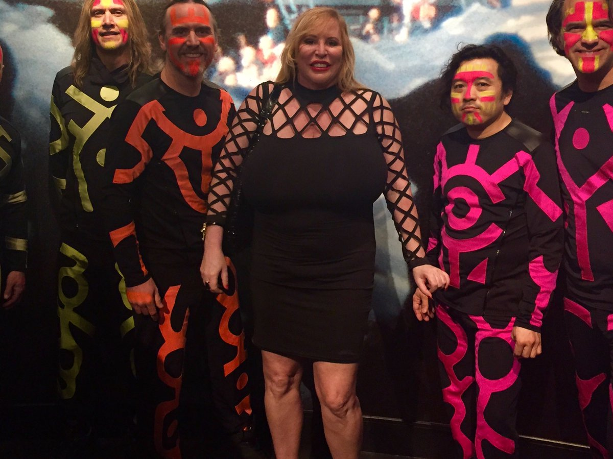 Here's me with some of the blue man group taken the other night. #Las Vegas #BigTits. bcjXMqnAgp