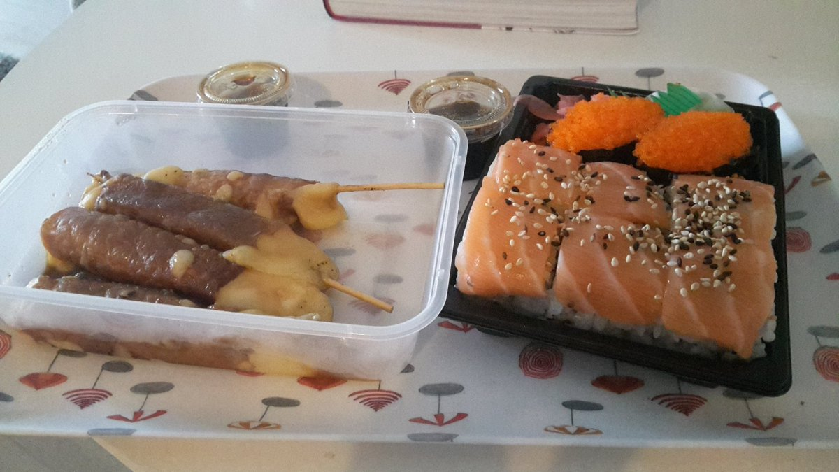 Have a nice weekend guys.For me it s sushi at home 😜 eTaiw9Vzyi