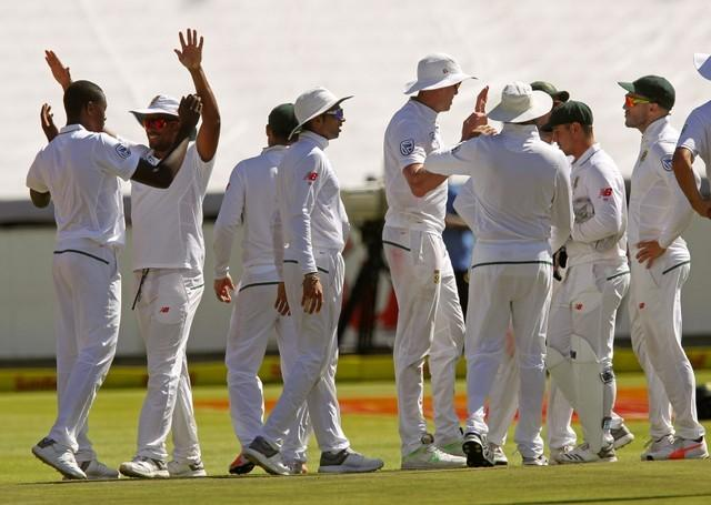 Cricket - South Africa gain lead over India, but suffer Steyn blow