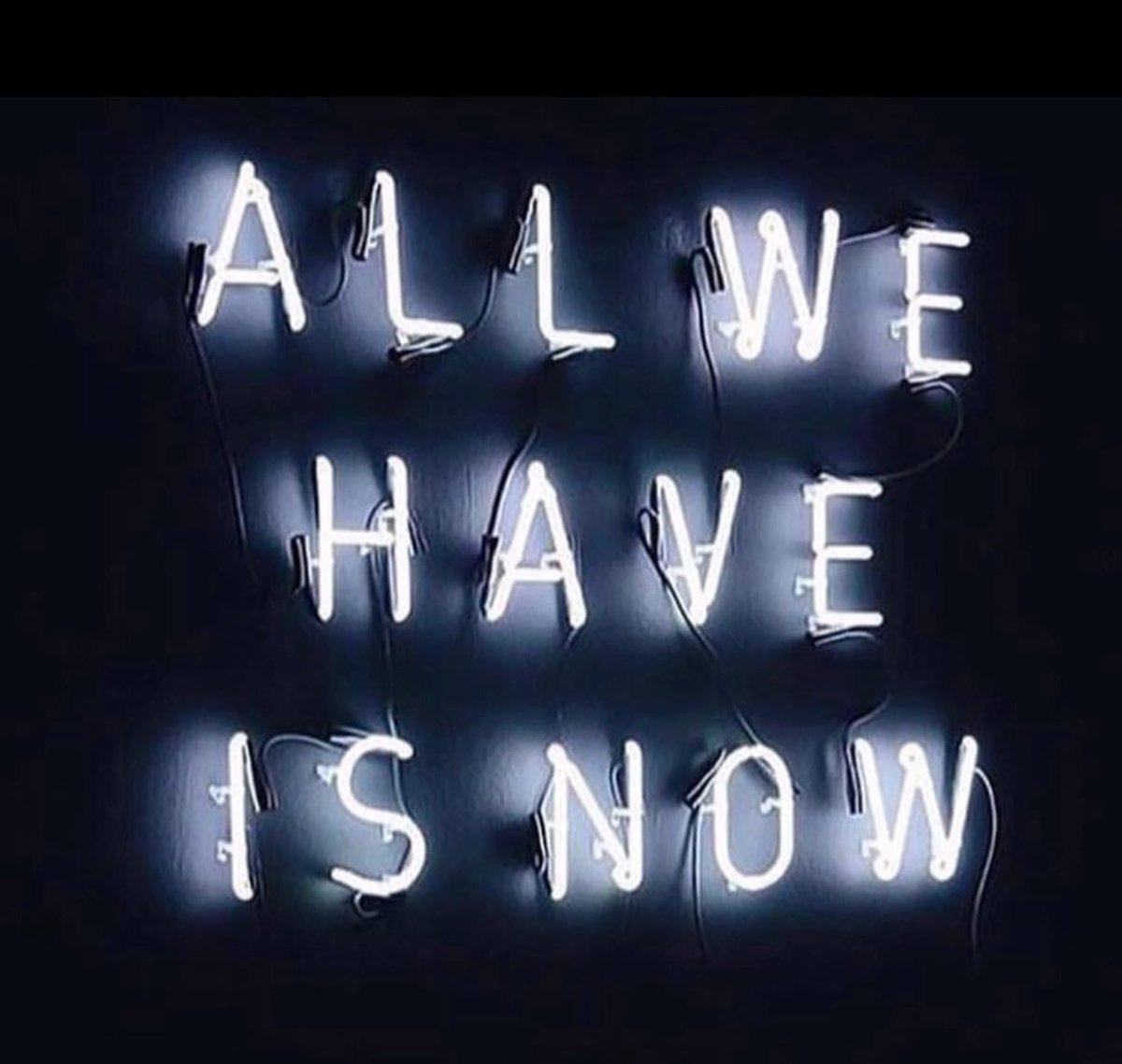 Remember to live in the present #Mindfulness 2U7fUZ56mO