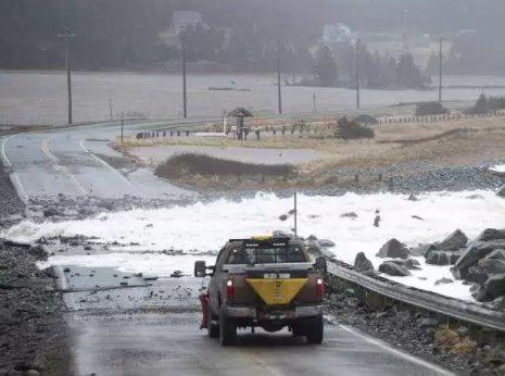 Weather bomb-battered East Coast set for deep freeze