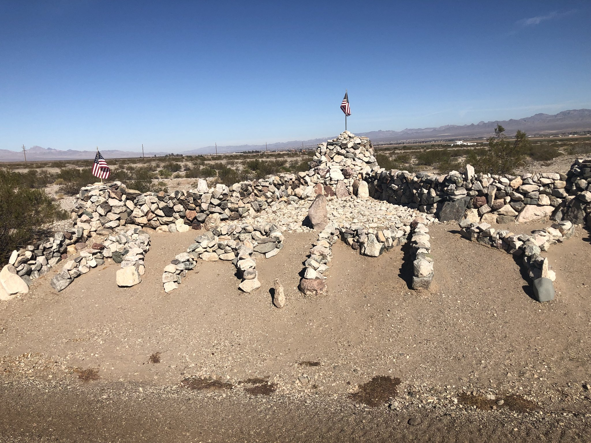 Rock monuments along Route 66 in #NeedlesCA honoring those who have served and those that are serving.  Thank you to all who keep us safe abroad and at home! https://t.co/VL28jSXVY3