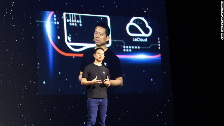 China orders tech tycoon to return and face debts