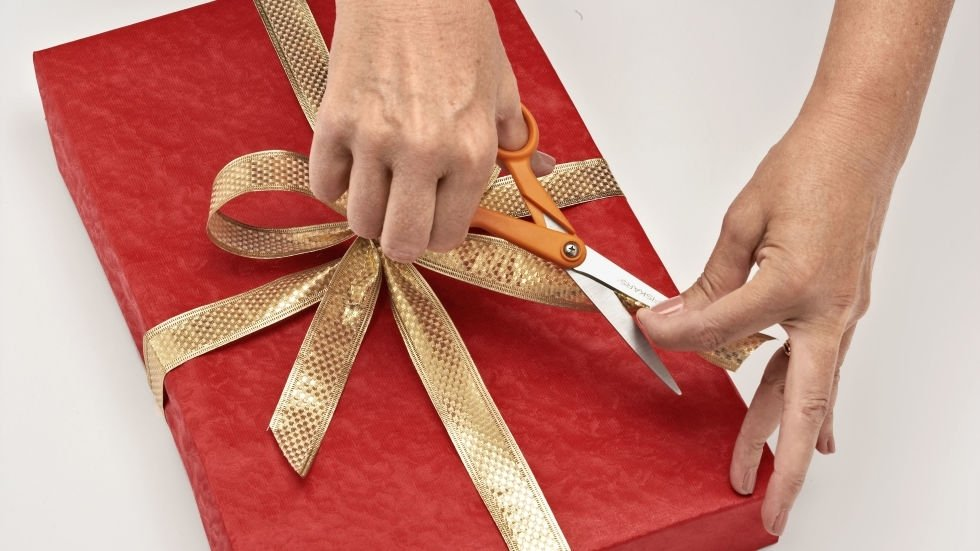 Упаковать подарок без бумаги 365