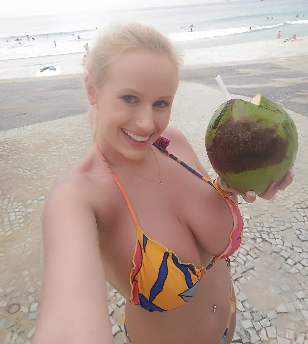 2 pic. Joung coconut 😍😍😍😍😍😍💟💟💟🌴🌴🌴 Wjopjna0Ky
