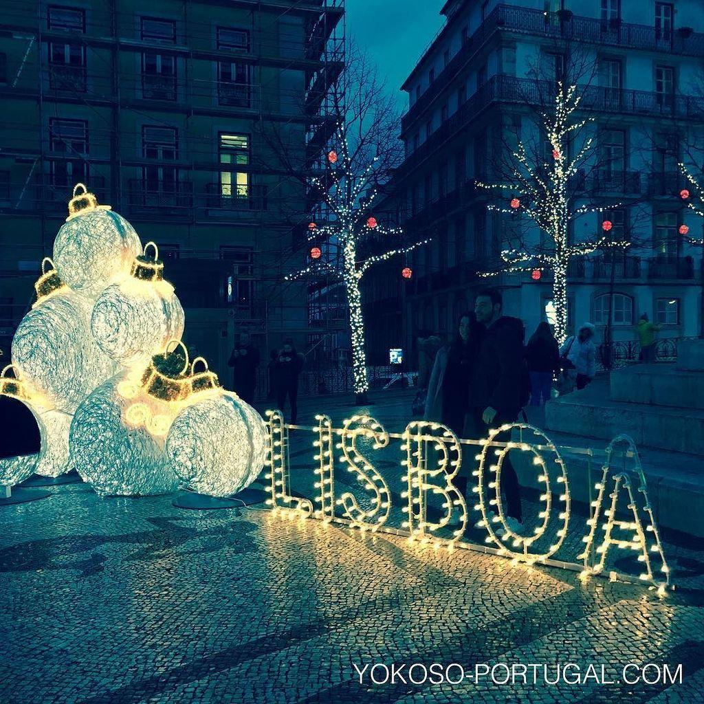 test ツイッターメディア - 記念撮影にもってこいの、カモンイス広場のイルミネーション。 #リスボン #ポルトガル https://t.co/aGwIvAcIGl