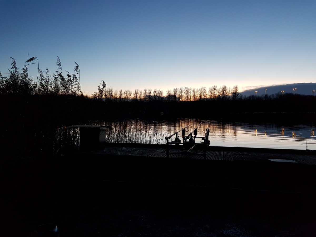 Its gonna be a cold one tonite. #carpfishing #winter #WinterCore #GetOnTheCore #NoHypeJustBait https