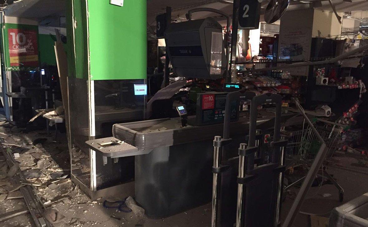 При взрыве в Петербурге пострадали 13 человек
