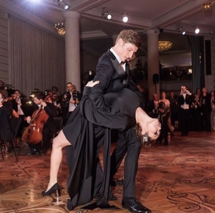На фото я танцую сильно лучше, чем на видео. https://t.co/qnAcOSTHmD