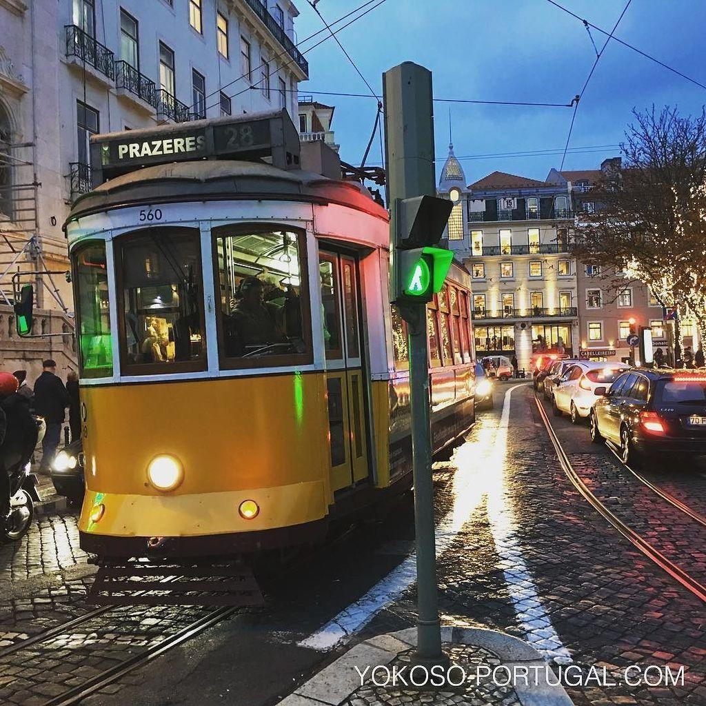 test ツイッターメディア - 大人気、路面電車28番。ショッピングエリアシアード地区を通り抜けます。 #リスボン #ポルトガル https://t.co/4JzNgZN0Bt