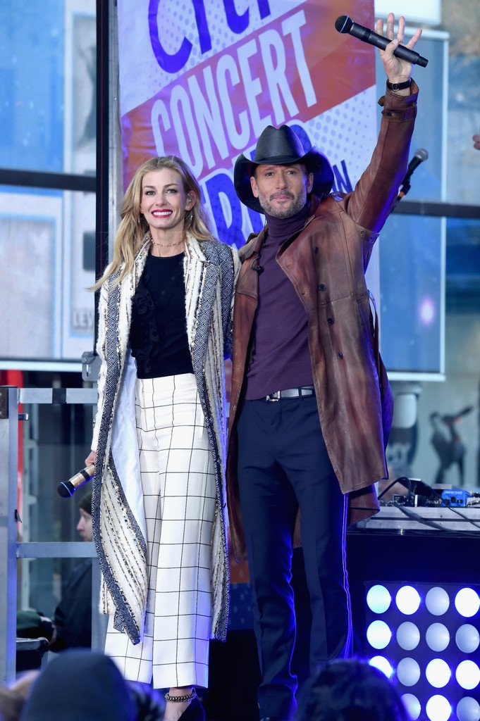 RT @TheTimMcGraw: #TBT Performing on the @TODAYshow with @FaithHill Photo by Jamie McCarthy #TeamMcGraw https://t.co/9UsdIyGjLL
