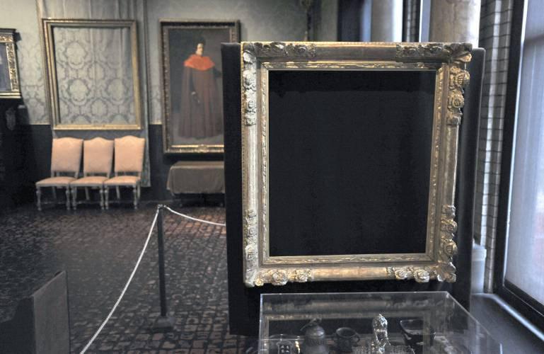 Deadline looms to collect on art heist information