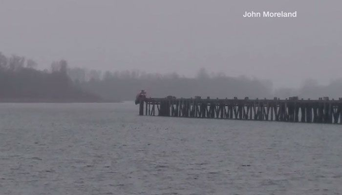 Suspect drives off pier in bid to elude police - | WBTV Charlotte
