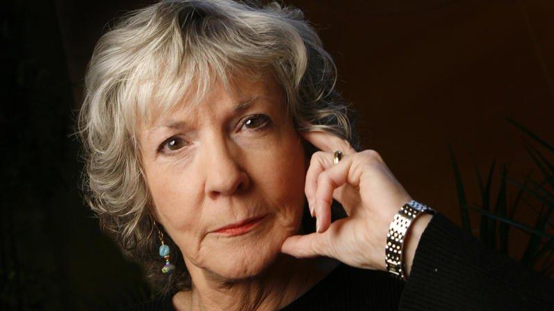 Mystery writer Sue Grafton dies at 77 in Santa Barbara https://t.co/mfBgsv8DJm https://t.co/FkGhjgAs9q