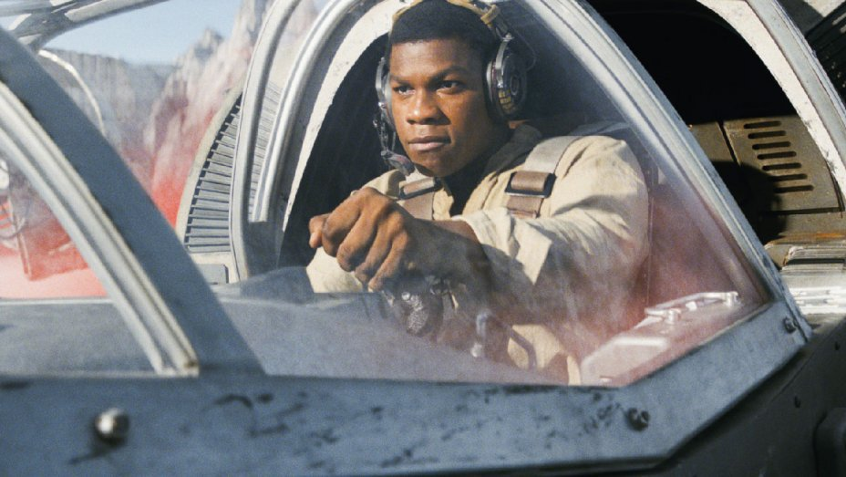 Weekend box office: 'Star Wars: The Last Jedi' crossing $1B globally